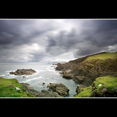 Irland, Achill Island 2 (Bigeminus) Tags: ireland sea sky green beach water clouds coast rocks wasser europa europe irland atlantic grn 2009 achillisland felsen wellen grneinsel newvision westirland peregrino27newvision