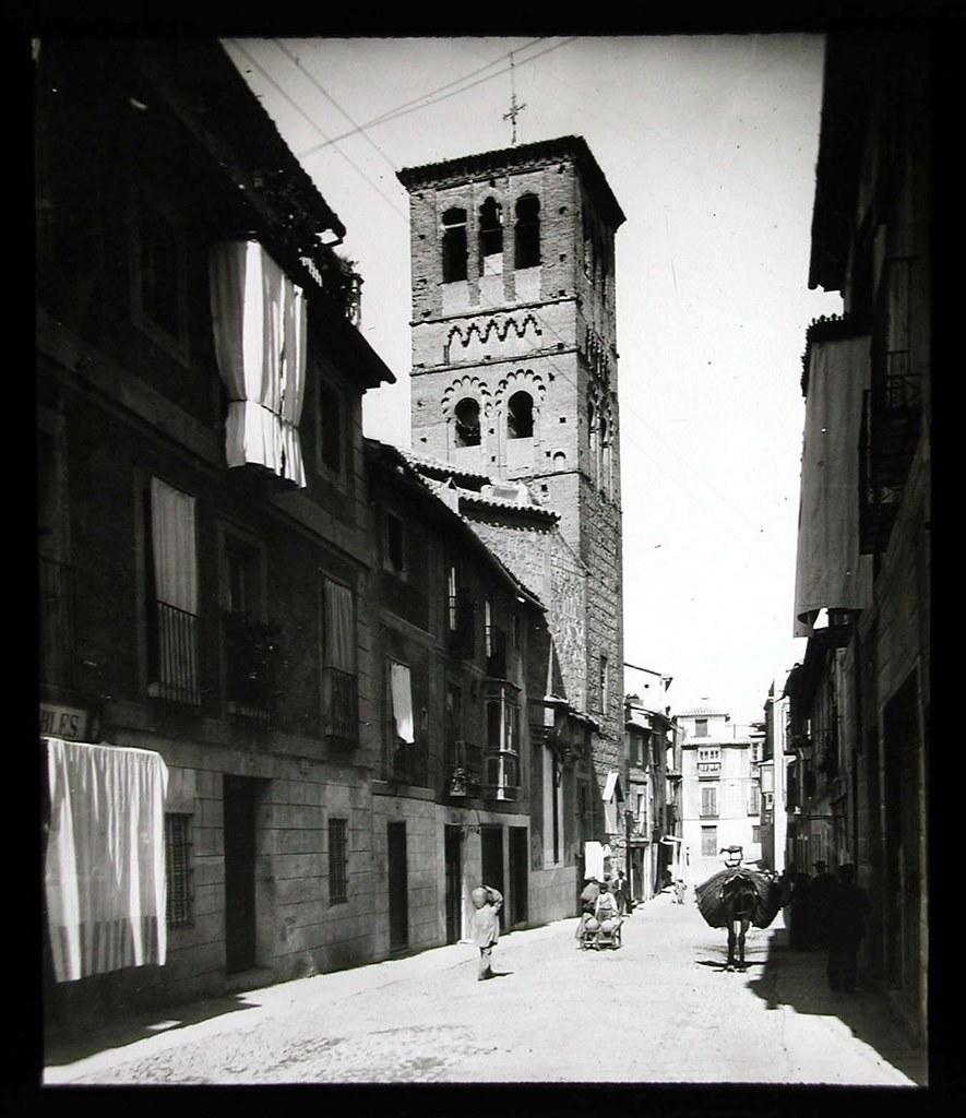 Calle de Santo Tomé a inicios del siglo XX. Ateneo de Madrid