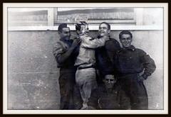Meccanici Regia Aeronautica Italiana -  fronte albanese -  II guerra mondiale anni 40. (MARCO_QUARANTOTTI) Tags: