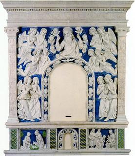 Andrea della Robbia, L'Eterno e angeli, 1480-1484. Montepulciano, Museo Civico