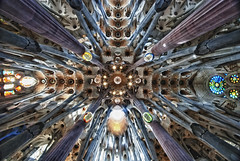 [Free Image] Architecture / Building, Church / Catedral / Mosque, Sagrada Família, World Heritage, Spain, 201106062300