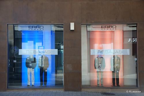 Escaparate de Erro, tienda de ropa en la confluencia de la Avenida de Carlos III y la calle Cortes de Navarra