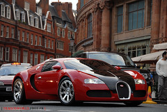 Bugatti Veyron & Harrod's (Julien Rubicondo Photography - julienrubicondo.com) Tags: world uk red summer england white black green london art cars car yellow mercedes benz julien beige nikon fine super ferrari harrods 63 sl condo arab porsche mercedesbenz enzo angleterre series d200 gt t bugatti lavande hermes lamborghini luxury rare 2009 supercar herms luxe sv 65 carrera supercars veyron arabs lambo ldn trasos 2k9 rubicondo trasosworld