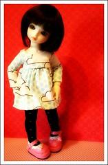 Cashmere... (Teka e Fabi) Tags: pink clouds beige shoes doll dress tights tuesday nuvens bjd cashmere juliana vestido tekaefabi rosenlied