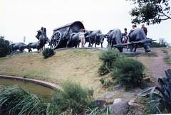 871204 Bronze by Jose Belloni (rona.h) Tags: ronah cloudnine 1987 december uruguay montevideo josebelloni sculpture bronze theoxcart lacarreta worldtrekker elsie