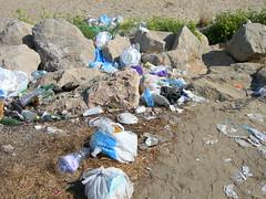 Munnizza postFerragosto (27) (himeraonline) Tags: mare fiat rifiuti spiaggia sicilia sabbia divieto enel ferragosto litorale puzza terminiimerese bagnanti munnizza abusivi balneazione himeraonline