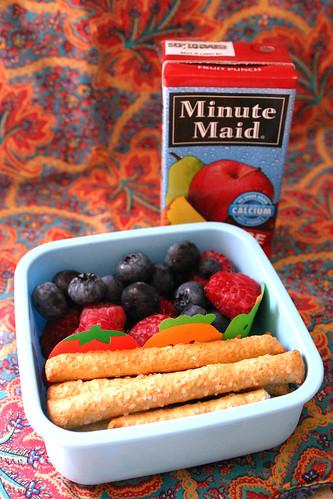 Kindergarten Snack Box #1: August 25, 2009