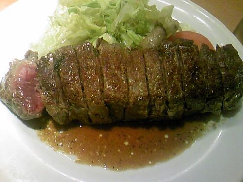 ステーキとおる