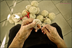 Manual Factory (Edvina Meta) Tags: old grandma black hair hands sheep finger albania tirana manualfactory