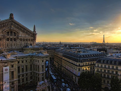 My heart belongs to Paris (bEbOpix) Tags: sunset paris france canon opera eiffeltower toureiffel bp galerieslafayette allrightsreserved coucherdesoleil palaisgarnier haussman grandsboulevards sx10 tousdroitsrservs baladesparisiennes beboselection1 bebopix wwwbebopixfr