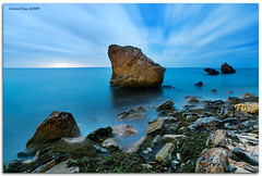 A crown for the stone (313 sec) (alonsodr) Tags: nightphotography paisajes landscapes andaluca seascapes sony explore alpha cdiz alonso bolonia tarifa marinas carlzeiss a900 alonsodr mywinners fotografanocturna superaplus aplusphoto alonsodaz cz1635mm