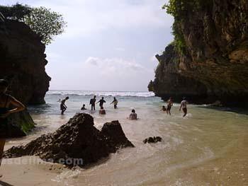 Pantai Suluban
