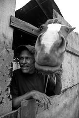 Companheiros de trabalho (Vinícius Roratto Carvalho) Tags: portoalegre social vila dique pobreza fotodocumentarismo viladique