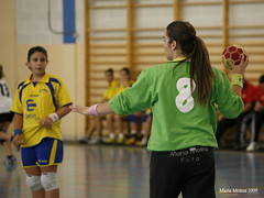 Miriam y Mónica Pérez (malaga norte) Tags: handball femenino maravillas cmn balonmano cadete mariamolina malaganorte