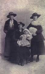 Image titled A.Taylor, L.Houston & friends. 1917.