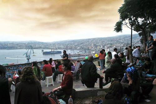 Viande. L'alba a Valparaiso, il giorno di Capodanno. Foto di Massimo Di Terlizzi