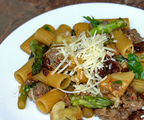 Rigatoni with Sausage, Artichokes and Asparagus