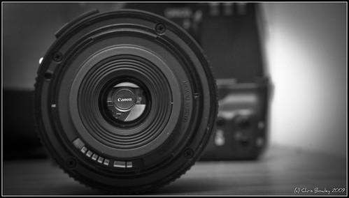 canon lens lense invertedimage canonlens canonlogo textthroughlens