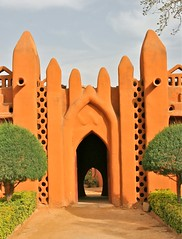 Bambara Architecture (**El-Len**) Tags: africa red architecture mud clay adobe westafrica mali entry gettyimages segou sudanese fav10 thegalleryoffinephotography sudanosahelian bambaraarchitecture segouempire