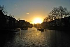 (Frederic K) Tags: utrecht netherlands water canal river sun sunset sunsetlovers sunsetporn sunporn sky skporn bluesky idyllic beautiful city