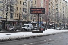 Wechselverkerszeichen auf Frankfurter Allee (T.C.M.) Tags: berlin viz vmz verkehrsverbund wechselverkehrszeichen variable message sign dynamic frankfurter allee