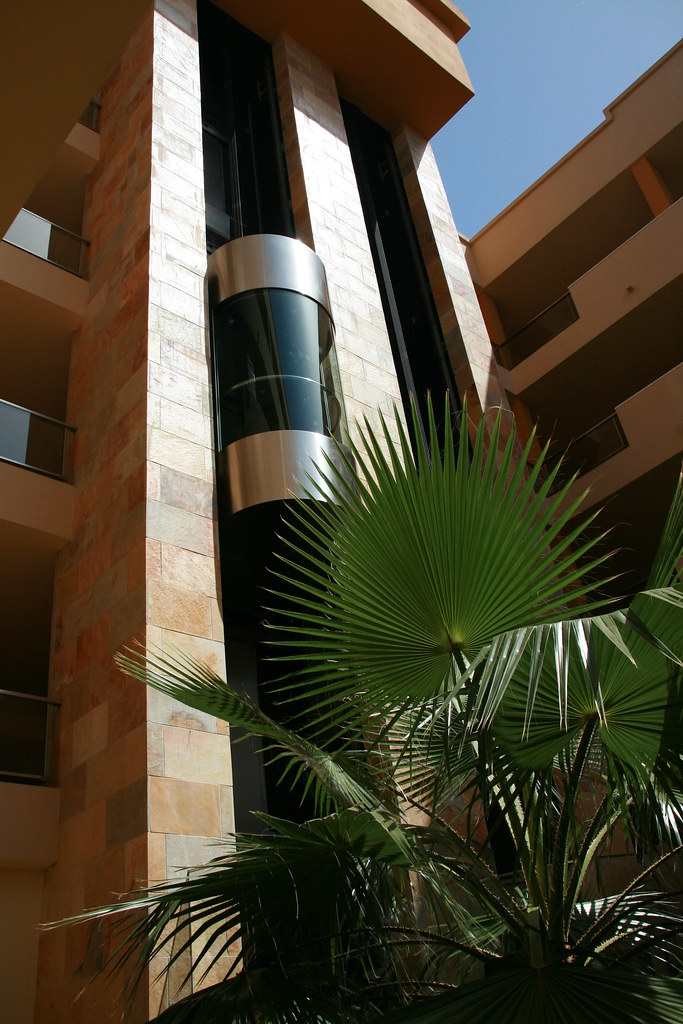 hotel Elba Carlota lift
