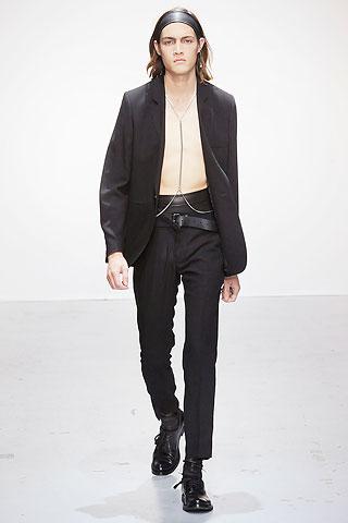 Marcel Castenmiller320_SS10_Paris_Ann Demeulemeester(Men Style)