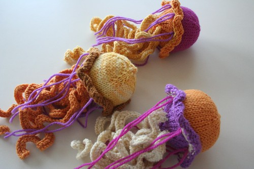 knitted: a little bit of whimsy (jellyfish) earthchicknits