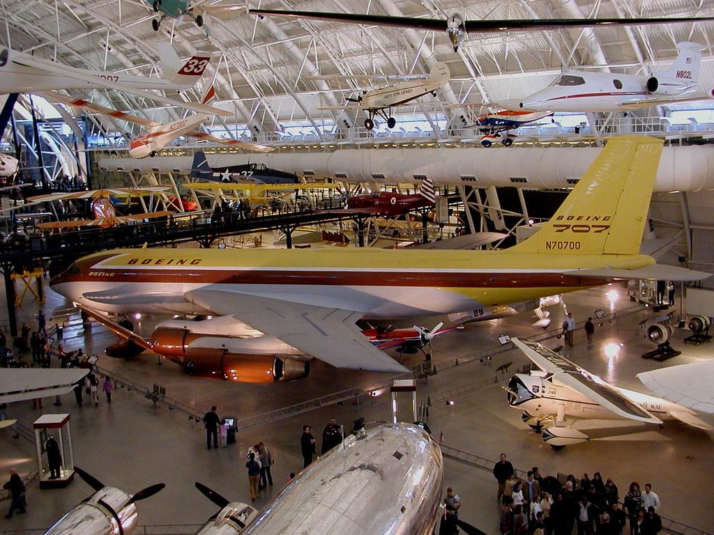 Boeing 707 Jet