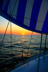 Sunset under my sail (mgeroneslu) Tags: sunset spray journey sail vela travesia marmediterraneo concordians juliasbern montsegeronesmarmediterraneo