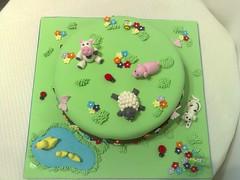 bolo Quinta (Isabel Casimiro) Tags: cake christening quinta playstation bolos bolosartisticos bolosdecorados bolopirataecupcakes bolopirata bolosdeaniversárocakedesign bolosparamenina bolosparamenino