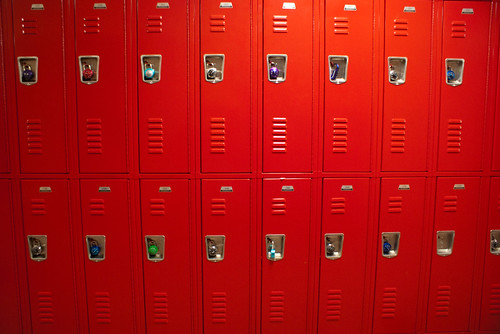 vauvau-high-school-lockers