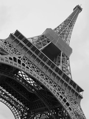 le tour eiffel (From Afghanistan With Loveّ) Tags: world travel paris tower monument architecture october eiffel gustav 2009 zeerak safrang hamesha javaid