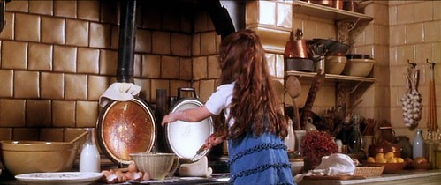 practicalmagic_kitchen_pancakes