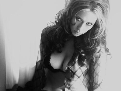 Jennifer-Love-Hewitt-jennifer-love-hewitt- (by k.a. gilbert)