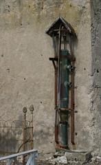 Meung-sur-Loire, Loiret: au bord d'une Mauve (Marie-Hélène Cingal) Tags: france iron centre 45 fer ferro hierro loiret pompe meungsurloire