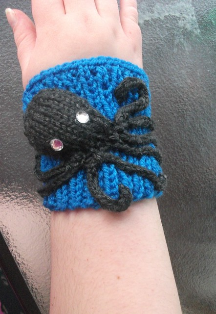 knitted octopus cuff