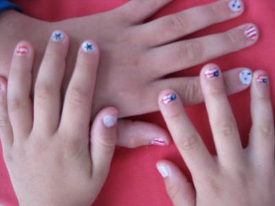Painted Flag Fingernails