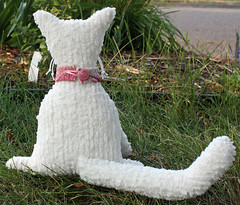 Chenille cat back