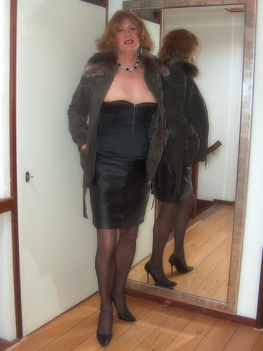leather Mature skirt stocking