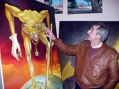 Julio Alessandroni, artista plástico argentina explicando el significado de su obra por Bahianoticias.com