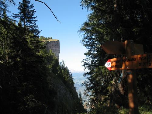 Gipfel mit dem Bergner Kreuz auf dem Mendelzug