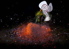 Baining fire dance in East New Britain  - Papua New Guinea (Eric Lafforgue) Tags: pictures danger fire guinea weird photo dance mask picture culture dancer tribal tribes png tradition tribe ethnic feu tribo masque headdress headwear ethnology headgear tribu danseur  ethnologie coiffe papuaneuguinea papuanuovaguinea  ethnie papouasienouvelleguine papuaniugini papoeanieuwguinea papusianovaguin papuanyaguinea   papanuevaguinea    paapuauusguinea  papuanovaguin papuanovguinea  png1847 bainingdancedansemasquegalimvillage eastnewbritainprovincepapuanewguineamaskdukirabaul  papuanowagwinea papuanugini papuanyguinea