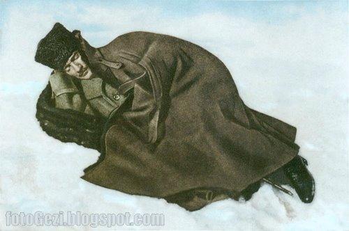 Mustafa Kemal, Dikmen Sırtlarında dinlenirken... 12 Şubat 1921