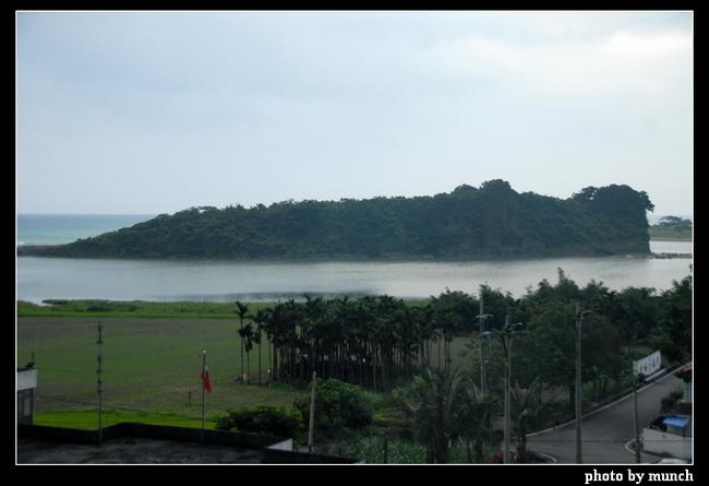 秀姑巒溪出口的靜浦地區,有大飯店、休閒機場的建設規劃,甚至保育區的吉普蘭島也想開發。(花蓮,靜浦)