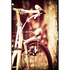 Berlin - Bike (manlio_k) Tags: berlin texture bike vintage dof bokeh sparkle bicicletta texturized manliok