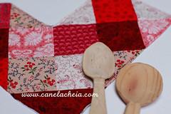Namorados  /  Valentine's (Canela Cheia) Tags: canelacheia artesanato corações decorations decoração guardanapo handmade heart napkin patchwork portugal red retalhos romance table tablespread toalhamesa vermelho