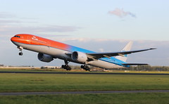 KLM Royal Dutch Airlines Boeing 777-300 (AMSfreak17) Tags: amsfreak17 danny de soet canon 70d ams eham amsterdam luchthaven schiphol airport vliegtuigen vliegtuig aircraft airplane jet jetphotos planespotting luchtvaart vertrek aankomst departure arrival spotter planes world of airplanes nederland the netherlands holland europe dutch take off runway 36l 18r polderbaan klm royal airlines boeing 777300 phbva orangepride color scheme special