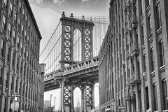 Recuerdos de un verano en New York. Memories from a summer in New York. (carlos muñoz garcia) Tags: newyork black white panasonic fz1000 bridge summer sky usa