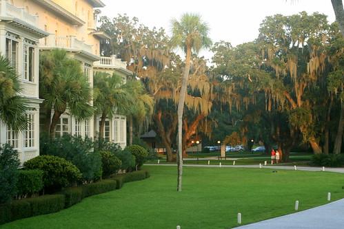 jekyll island club_walkway